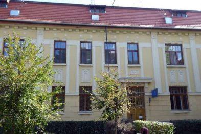 Városháza nyugati szárnyának felújítása - Karcag - Primépítő Kft. - Budapest
